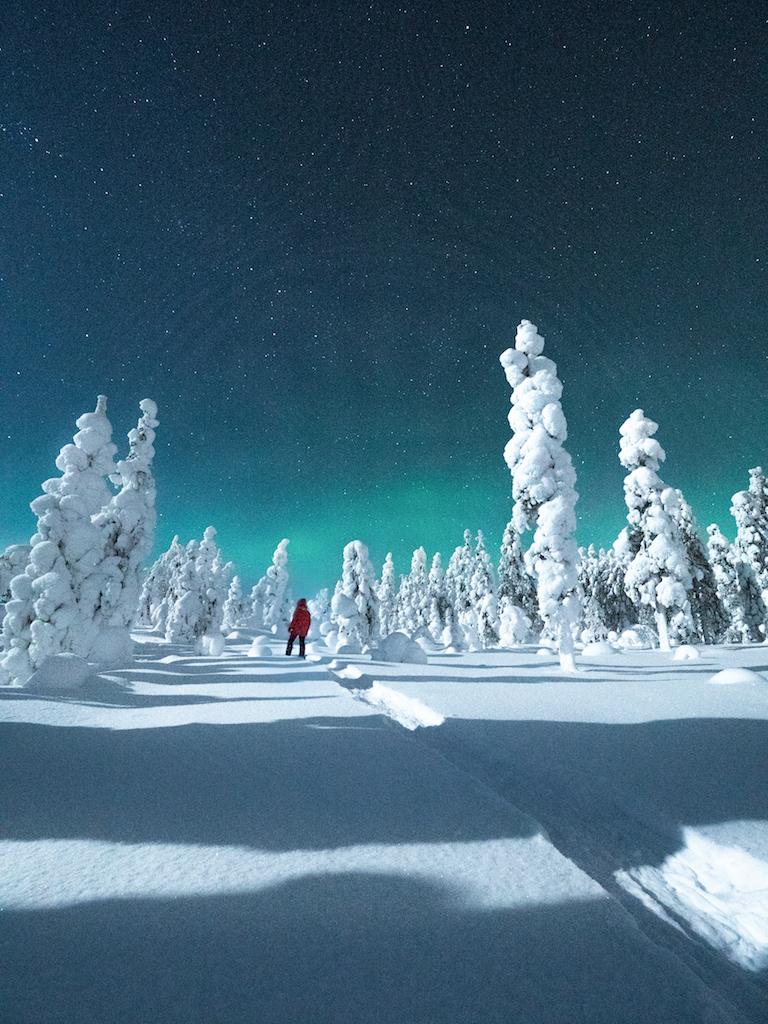 2. Aurora Borealis + Sanni.jpg