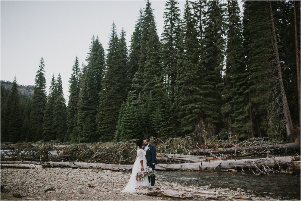 lovestoriesco-amber-phinisee-seattle-mount-rainier-elopement_0071.jpg