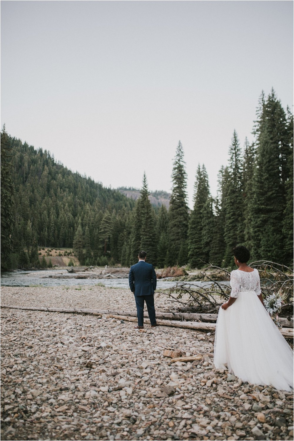 lovestoriesco-amber-phinisee-seattle-mount-rainier-elopement_0077.jpg