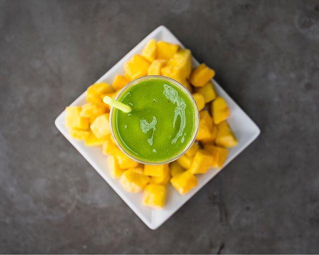 We have Mango back again!! Celebrate with a delicious Popeye or Bahama Mama smoothie 😋🌱 • • • • • #rootsjuicebar #healthy #allorganic #fresh #plantbased #vegan #juicebar #mango #mangosmoothie #popeye #bahamamama #healthyfood #healthysnack #thisisredding #norcal #localbusiness