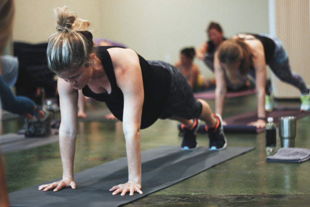 We are so excited that one of our fitness friends has recently opened her own studio in Shreveport called Sweat Society!! Join us Saturday August 19 for a one hour workout led by TreadBR founder Nicole Williamson. She will motivate you throughout the entire class while you strengthen, stretch and get your heart rate up! Then stay for a bit for some healthy bites and designer activewear pop-up shop! Hope to see you Shreveport!