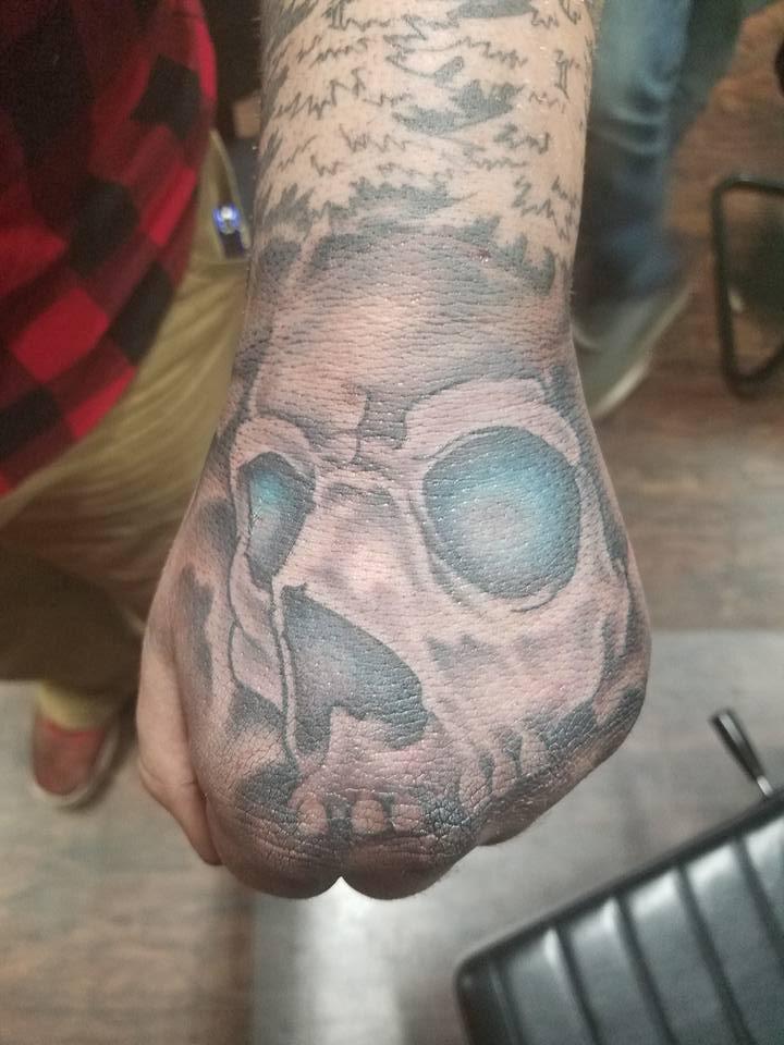 Hand Skull.jpg