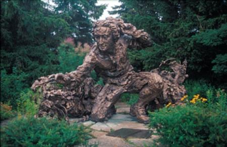 Carolus Linnaeus, bronze statue           Chicago Botanic Garden