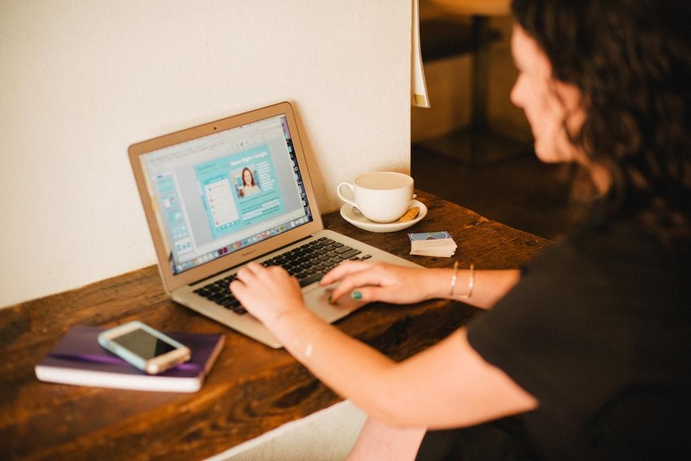 alison-evolvher-coffee-shop