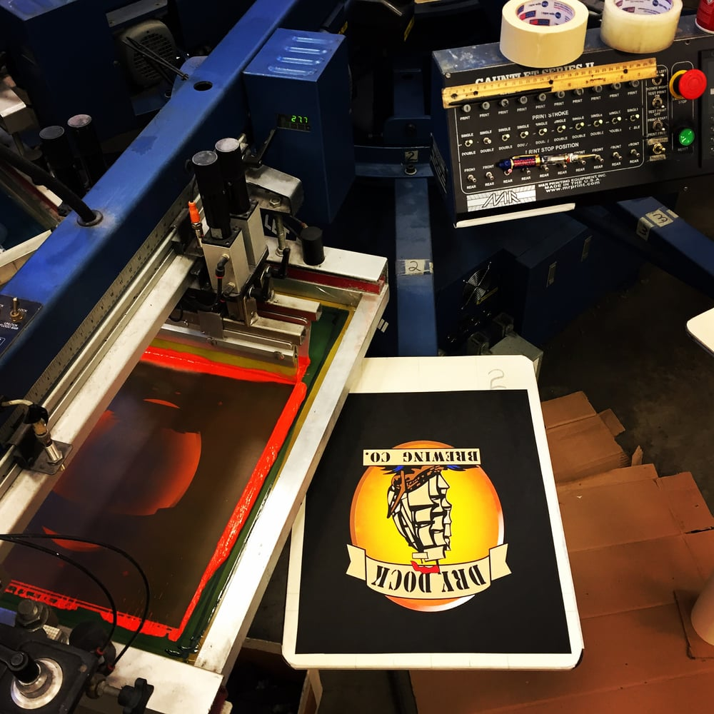 T-shirt printing in the shop