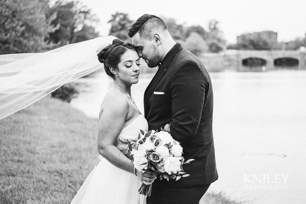 061 - Hoyt Lake Buffalo NY Wedding Pictures -XT2B8366.jpg