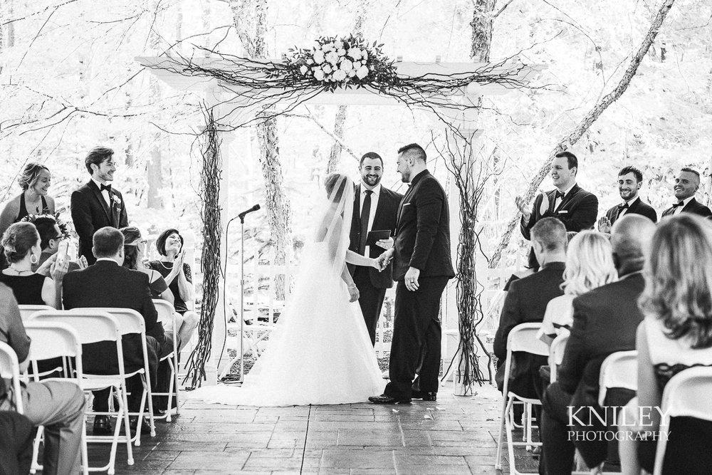 081 - Klocs Grove Buffalo NY Wedding Pictures -XT2B9155.jpg