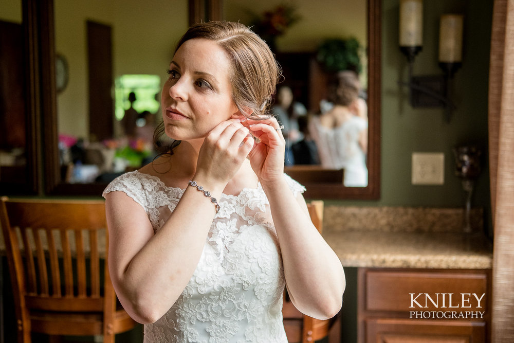 021 - Ravenwood Golf Club wedding pictures - Rochester NY - Kniley Photography - XT2B0589.jpg