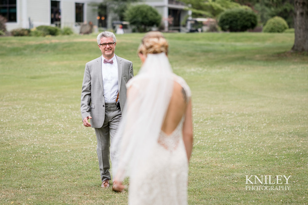 Ontario Golf Club wedding picture - First look with dad 1.jpg