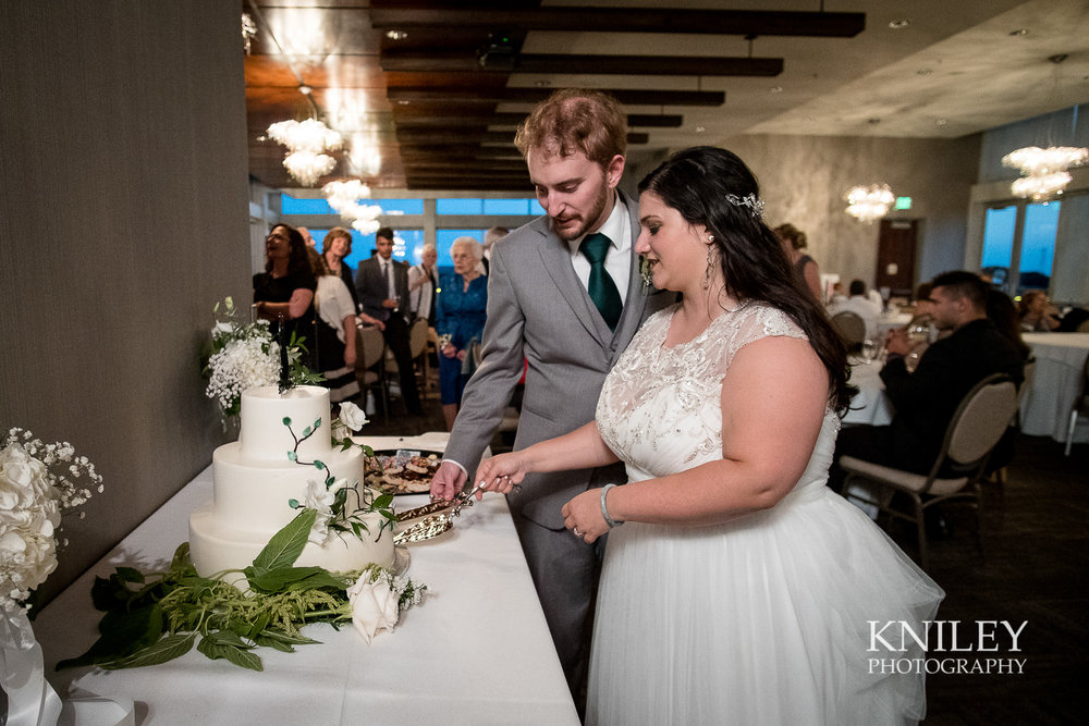 124 - Rochester NY wedding pictures - Strathallan Hotel wedding reception - XT2B5878.jpg