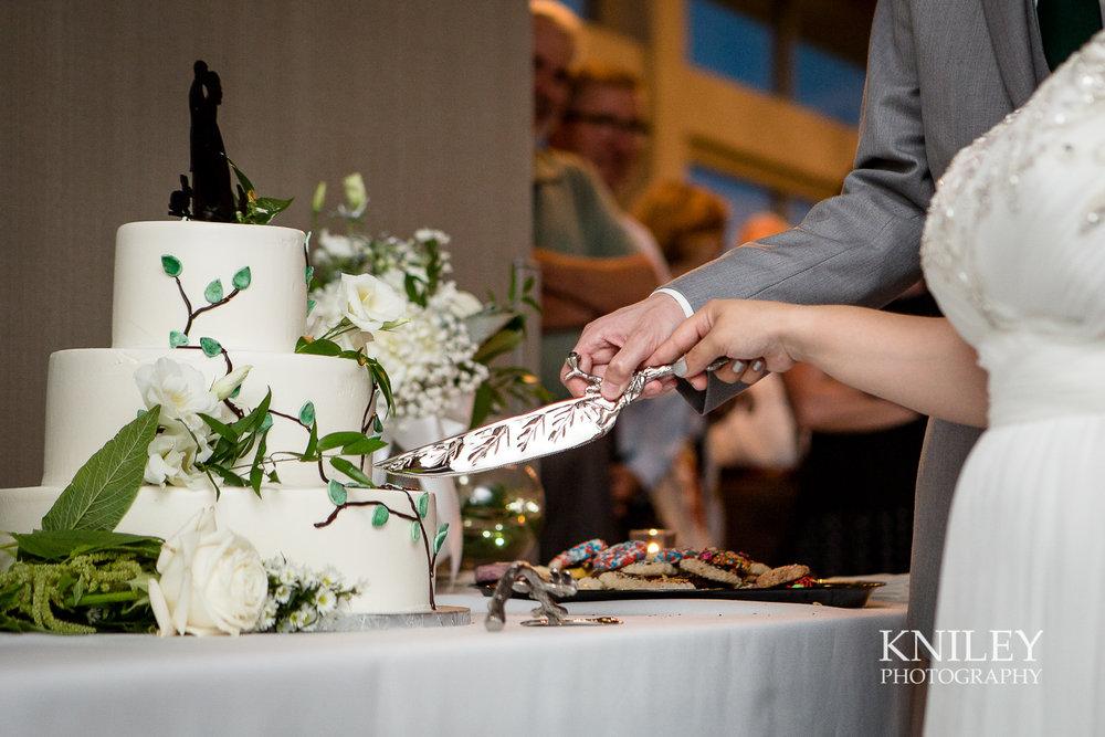 125 - Rochester NY wedding pictures - Strathallan Hotel wedding reception - IMG_9185.jpg