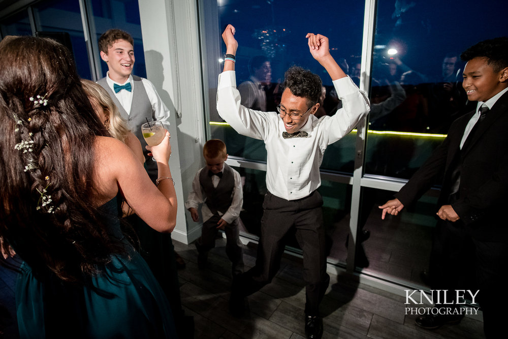 129 - Rochester NY wedding pictures - Strathallan Hotel wedding reception - XT2B5921.jpg
