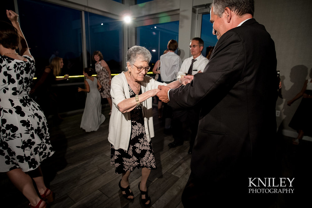 131 - Rochester NY wedding pictures - Strathallan Hotel wedding reception - XT2B6023.jpg