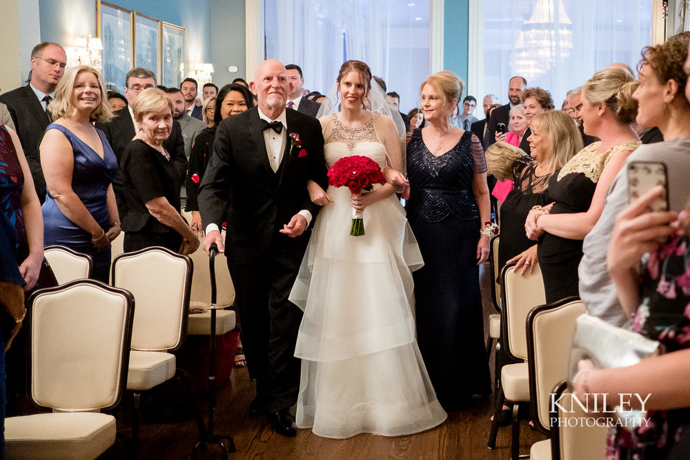 067 - Rochester NY wedding pictures - Genesee Valley Club - Ceremony and Reception - XT2A5578.jpg