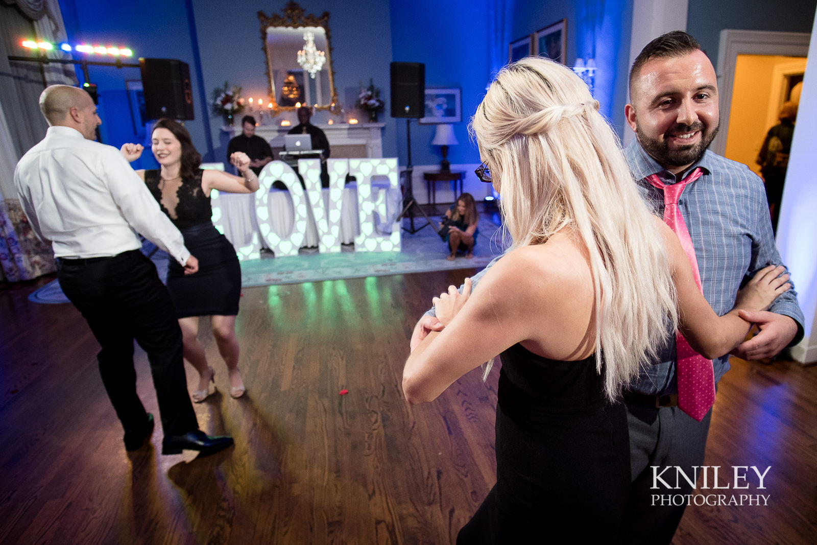 137 - Rochester NY wedding pictures - Genesee Valley Club - Ceremony and Reception - XT2B7247.jpg
