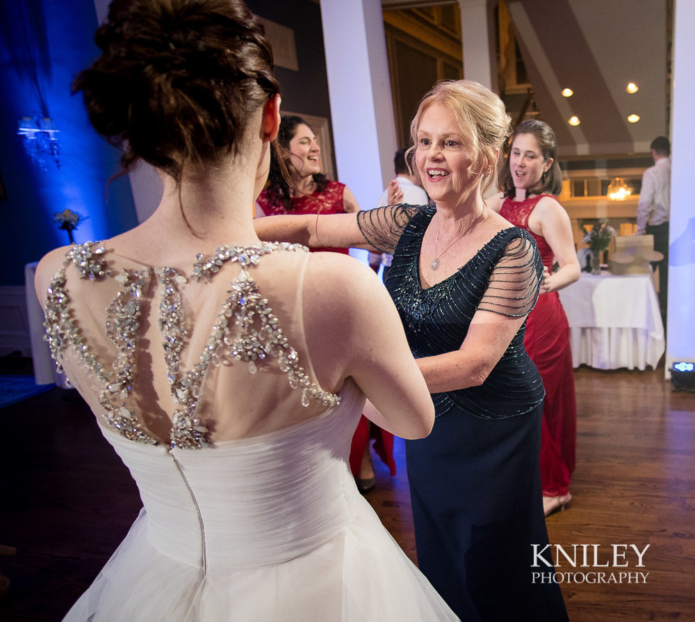 148 - Rochester NY wedding pictures - Genesee Valley Club - Ceremony and Reception - XT2B7514.jpg
