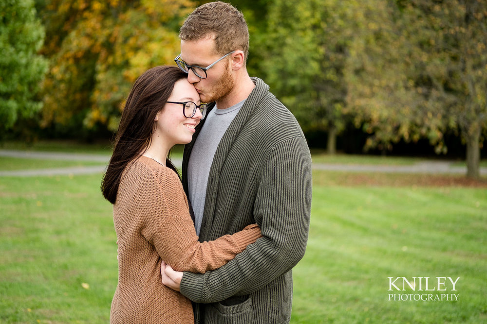 13 - Highland Park Fall Engagement Session - Rochester NY - XT2B2882.jpg