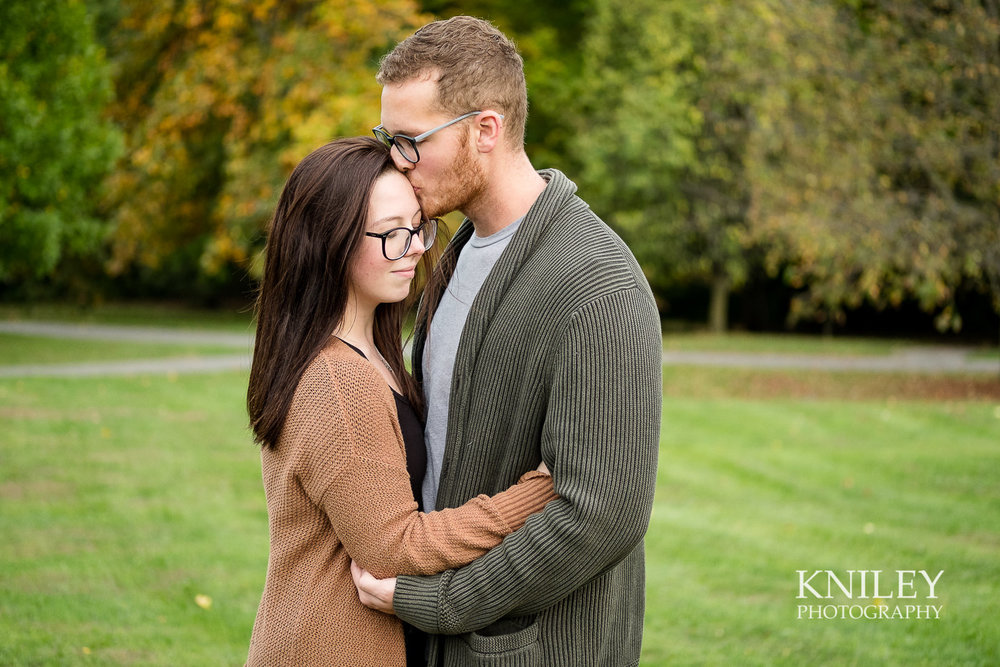 16 - Highland Park Fall Engagement Session - Rochester NY - XT2B2907.jpg