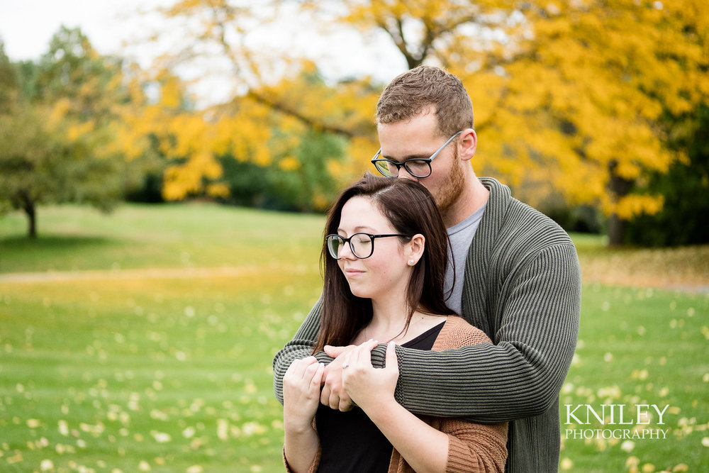22 - Highland Park Fall Engagement Session - Rochester NY - XT2B2974.jpg