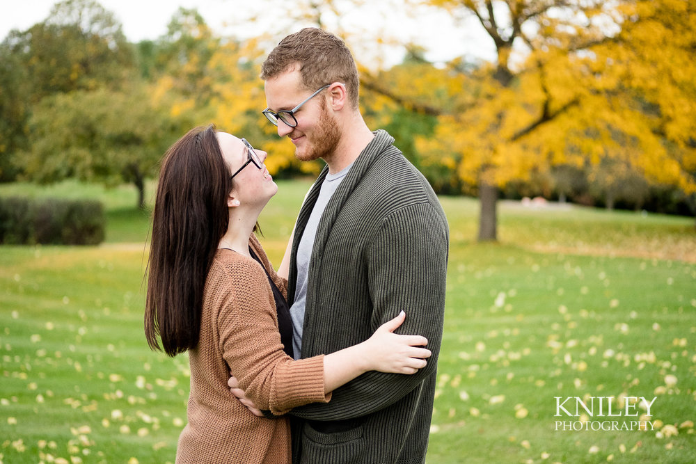 30 - Highland Park Fall Engagement Session - Rochester NY - XT2B3059.jpg