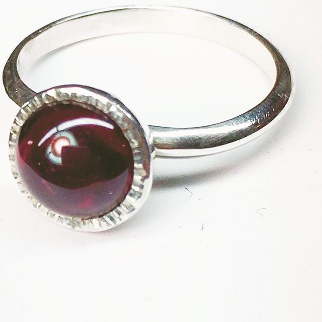 Chalice ring in garnet. I've been wearing this ring lately. It's like having a little fiery beacon, when the light of day fades so early.  I'll be in Troy for Babes in Troyland next weekend (Dec 10 & 11).
