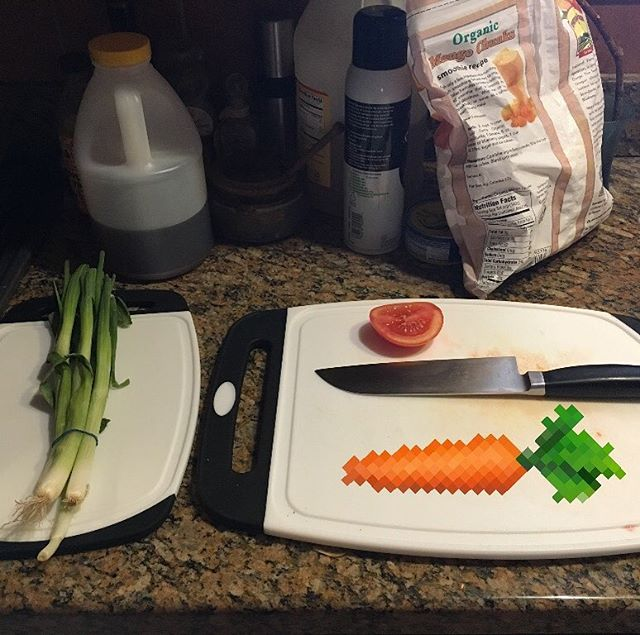 Chopping some pixel carrots.