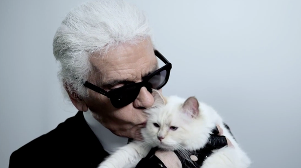 Karl_Lagerfeld_Choupette_Embrace_grande.png