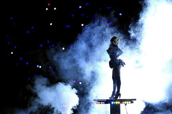 Beyonce-Super-Bowl-21_grande.jpg