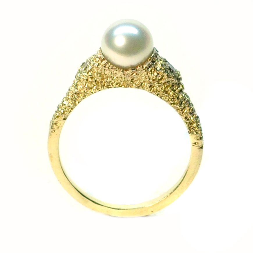 lostpearl_ring_welfe_Kelly_thompson_fashion_illustartor_blog_illustration_610034a0-5774-4f12-b354-9179e5c1afd3.jpg