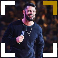 Receive multiple standing ovations by learning to dictate the atmosphere like Steven Furtick