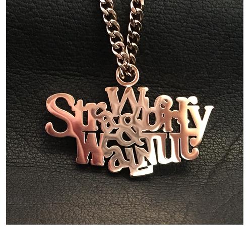 Anhänger-Strawberry-&-Walnut.png