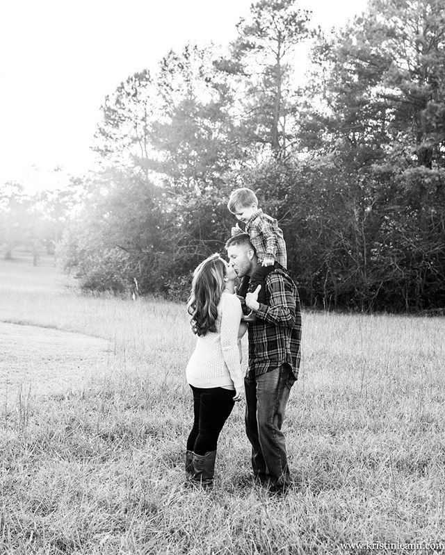 👪😍 #family #familyportrait #raleighfamilyphotographer #raleighnc #raleighphotographer