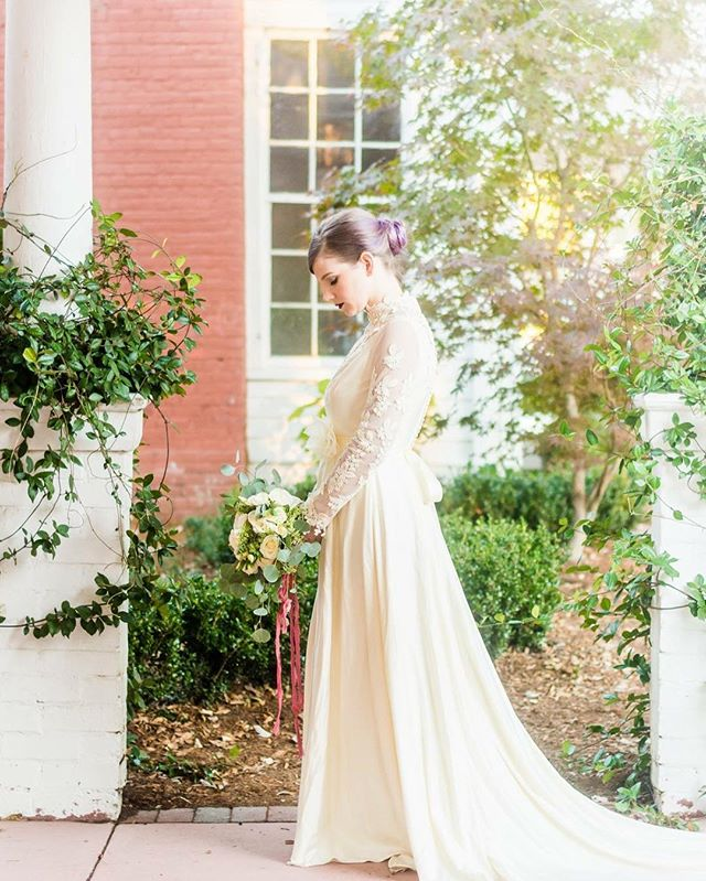 Thanks to @darlingtoday for putting together this beautiful #styledshoot at @mimshouse  Model: @crunchyblonde  Vintage gown: @achangeofadress  Florals: @tildydesigns  Hair/makeup: @allisonbarlowmua