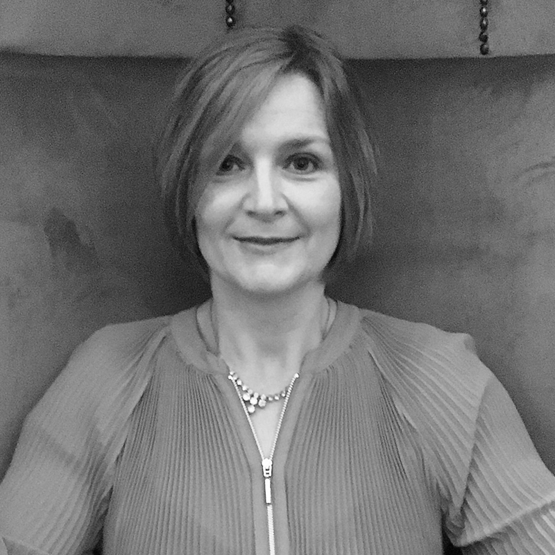Victoria Amini: Office Manager ⟶