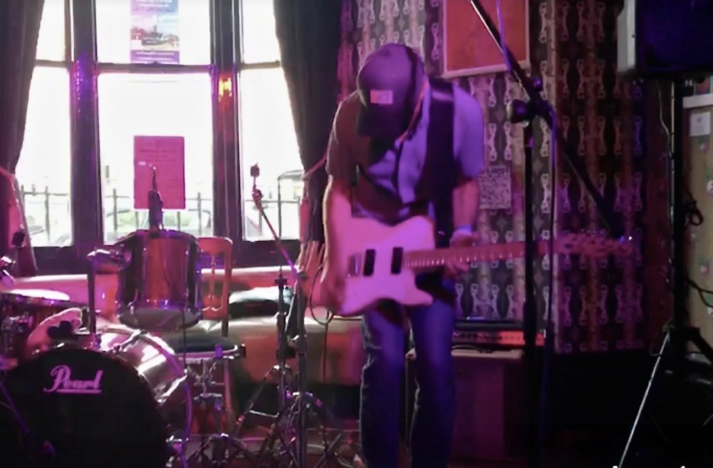 I play strange & soulful post-rock songs.... - ...on an electric guitar and looper pedal. I play around Brighton, at our own BOATSHOW music nights, and in London.