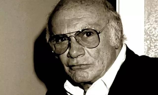 弗朗西斯科    ·    罗西(    1922-11-15    至    2015-01-10    )