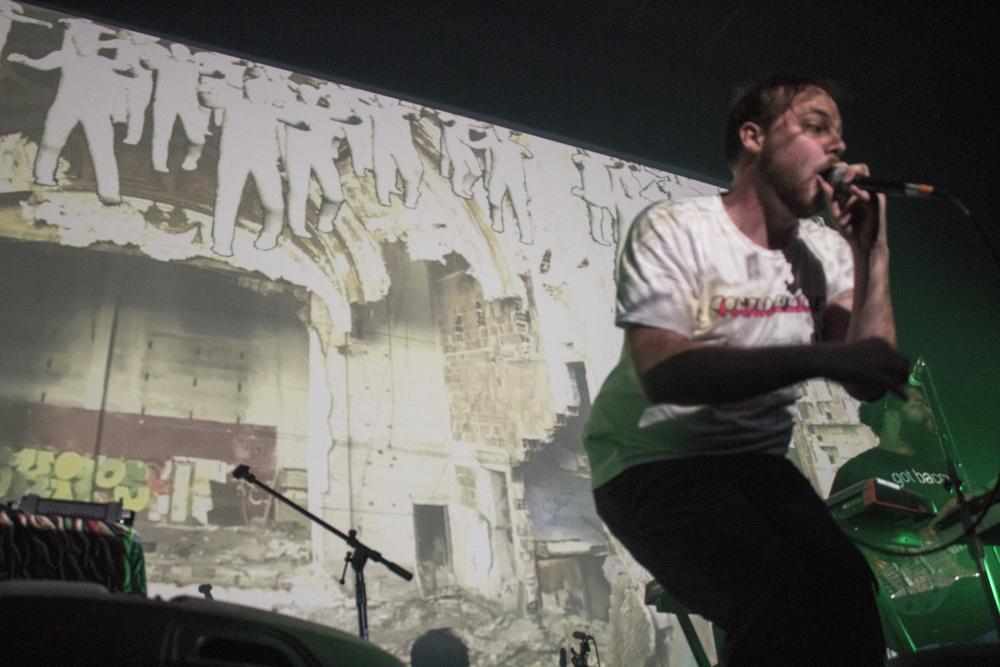 autocorrect_onstage1.jpg