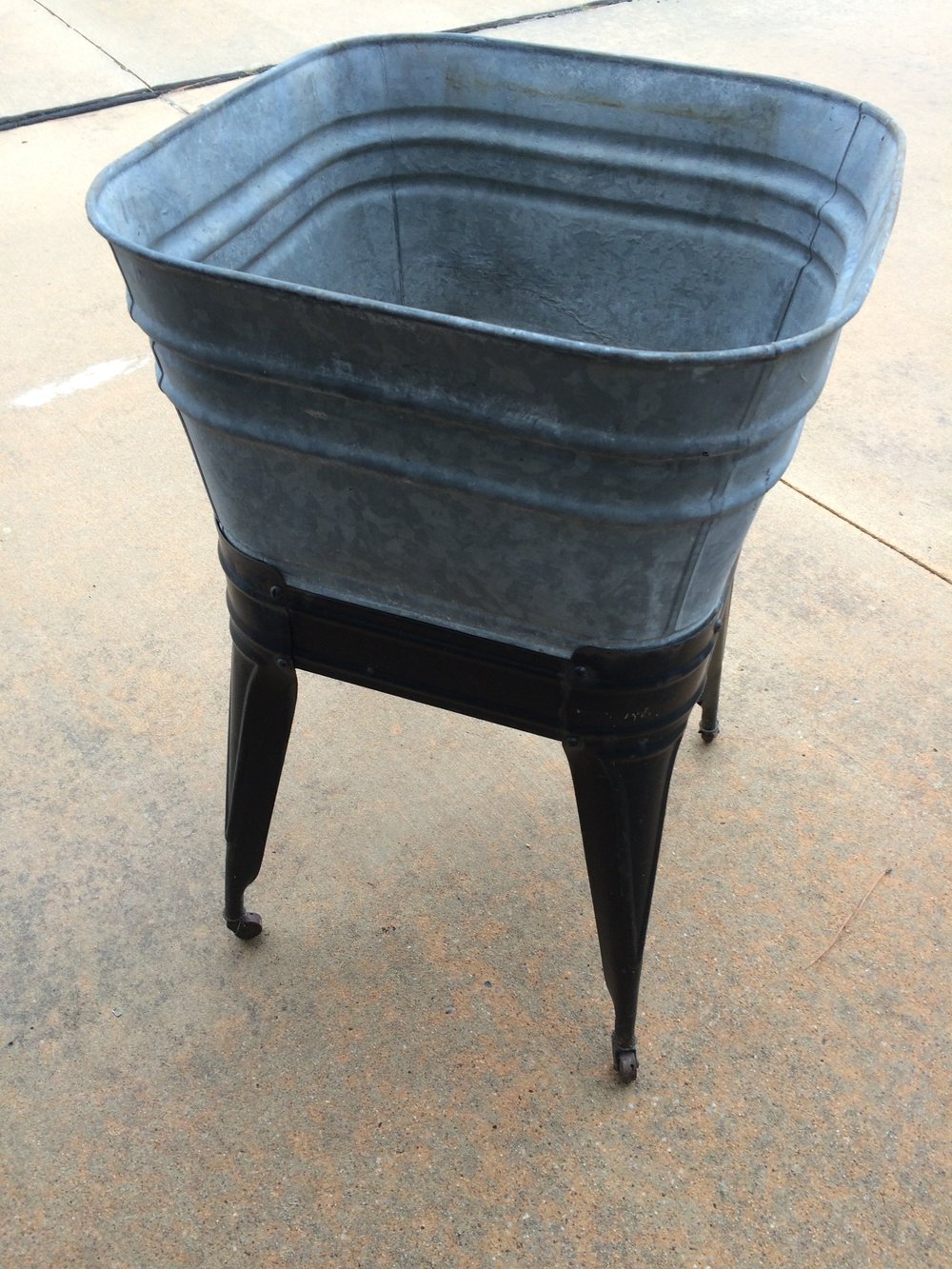 Single Washstand~Rental $25