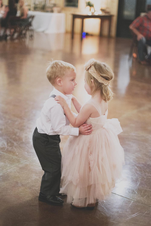 bobby-jessica-tulsa-ok-wedding-la-vintage-rentals-12.jpg