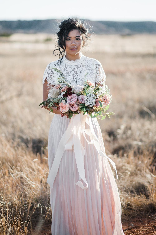 gloss-mountain-wedding-la-vintage-ok-rentals-10.jpg