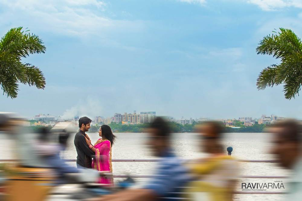 Couple portrait at Hussain Sagar, Hyderabad