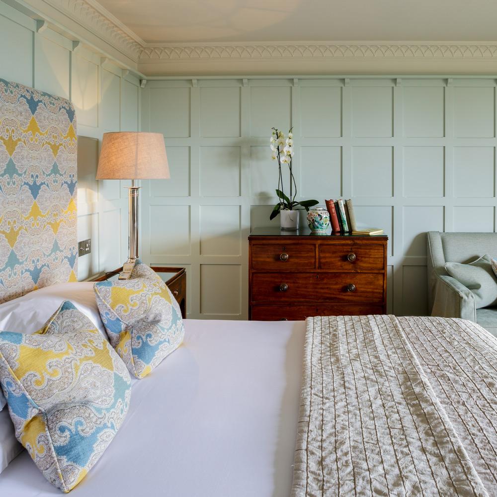 TBP-Bedroom-PremierDeluxe-Daffodil-02.jpg