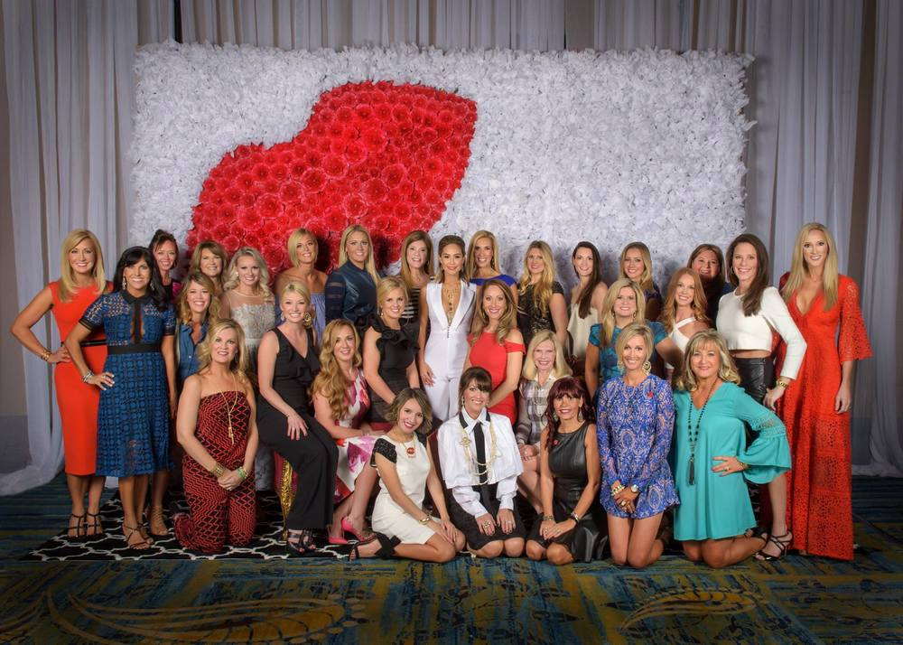 Our 2016 Giving Goes Glam Committee (Thank you to  Mindy Harmon  for this Group Photo)