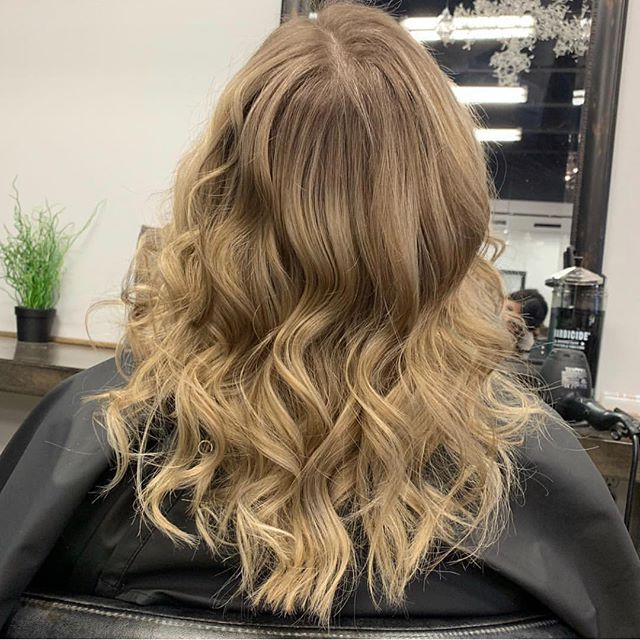 🤗 #ourwork Our own @hairbyreneeg did this huge transformation recently... #swipe to see the #before ..... . #hairandbodyelements #eastlansinghair #michigansalon #beforeandafter #hairtransformation #healthyhair #lovewhatwedo #comeseeus #lovelansing
