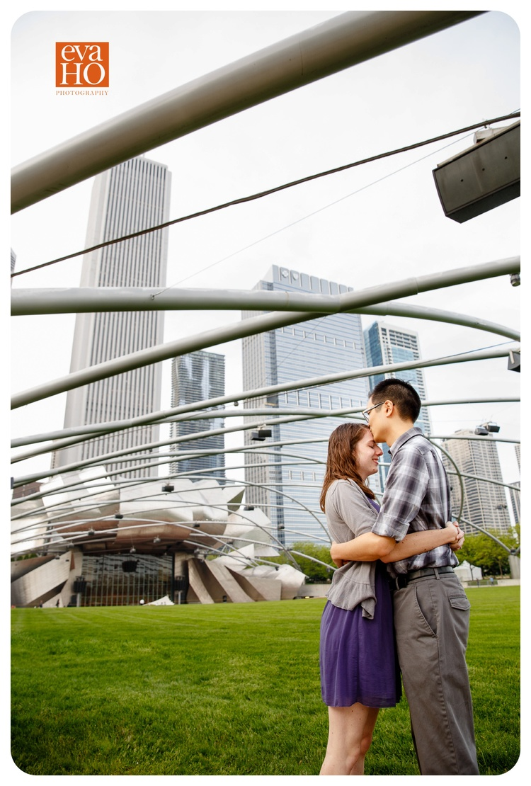 Art_Institute_of_Chicago_Cute_Engagement_Session.jpg