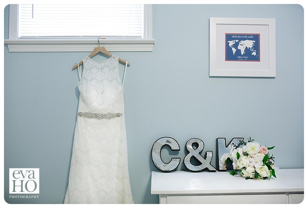 The bride's gorgeous wedding dress