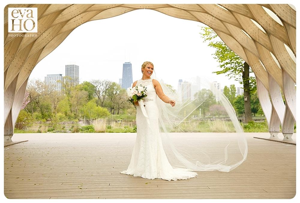 Lincoln Park Honeycomb Bride Portrait