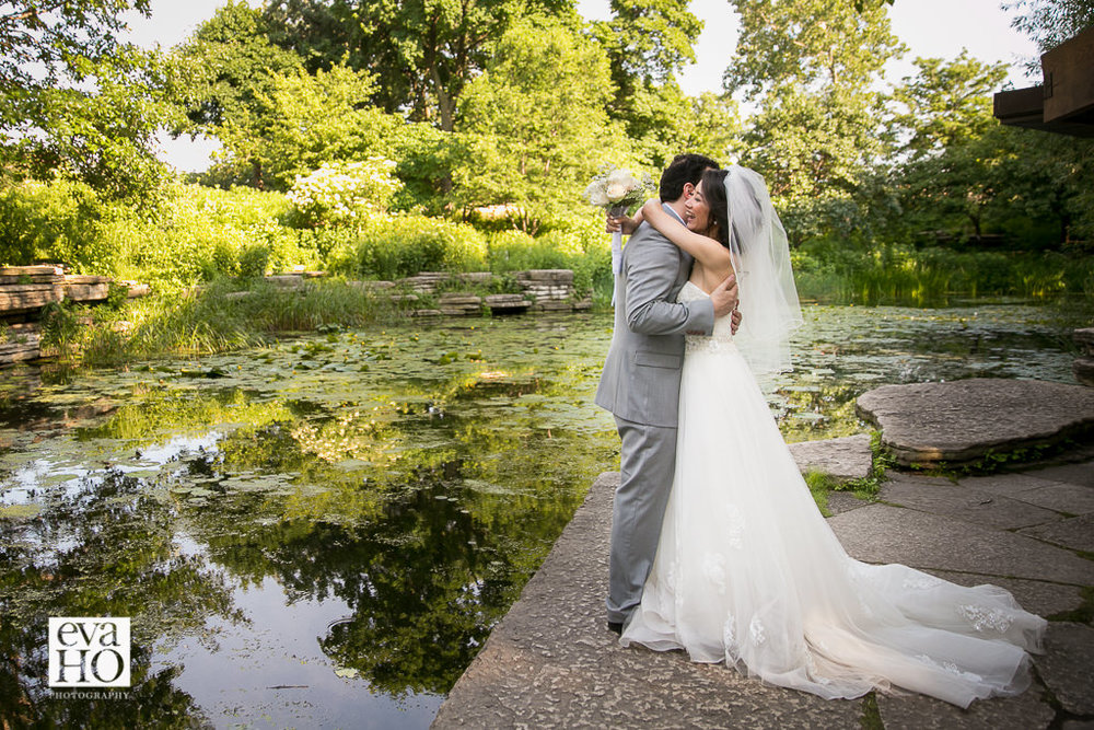 Caldwell Alfred Lily Pond in Lincoln Park provides an intimate setting for the lovely couple