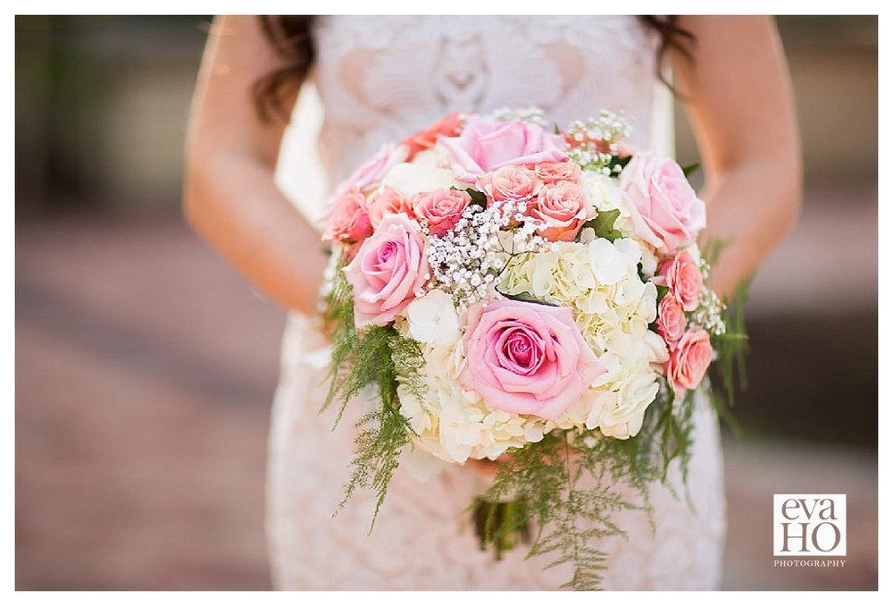 The bride's bouquet was simply stunning!