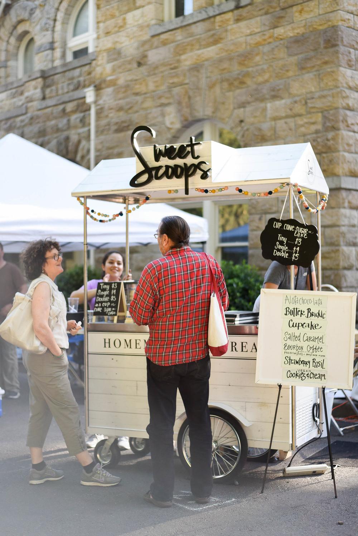 Sweet Scoops Ice Cream Cart at Cornerstone Sonoma